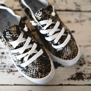 Snake Skin Shoes Sneakers New